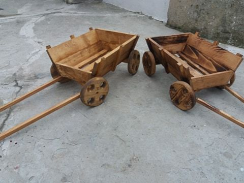 Дървени колички за декорация за градина