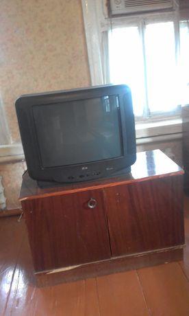 Телевизор плюс тумба под него