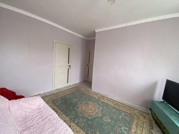 Продам 3-х комнатную квартиру с участком земли!!!