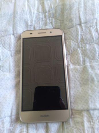 Huawei CRO-L22 телефон