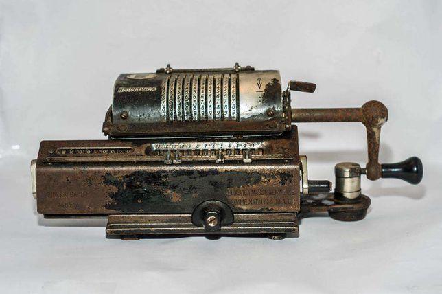 Masina de socotit veche Brunsviga Maschinenwerke