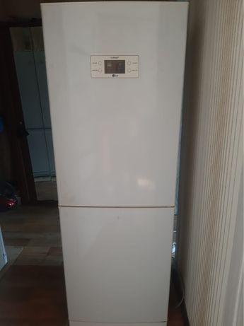 Продаю рабочий холодильник с доставкой.