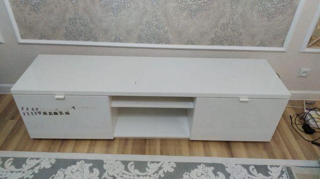 Шкаф (тумба) под телевизор белый