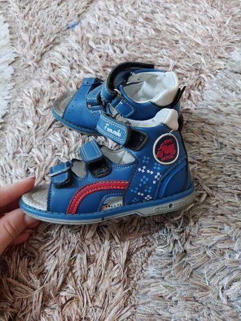 Продам детские сандалии!