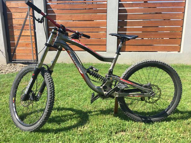 Bike Nukeproof Scalp downhill cu furca Marzocchi 380