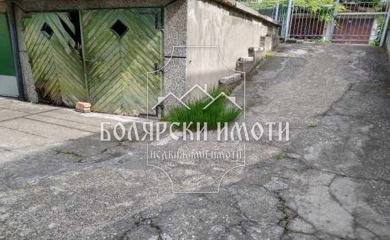Гараж на улица Яворов