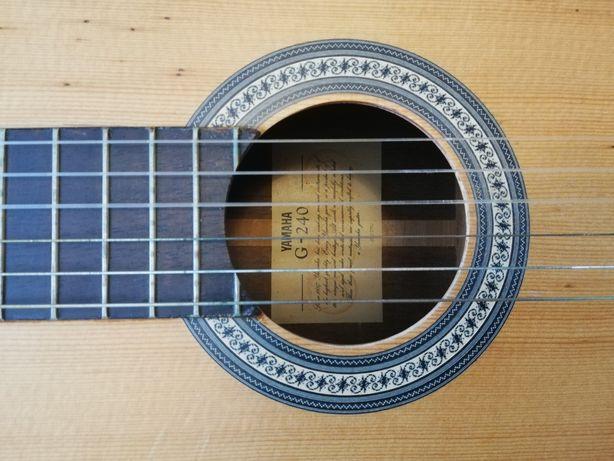 """Vînd/schimb chitară clasică """"Yamaha G 240"""""""