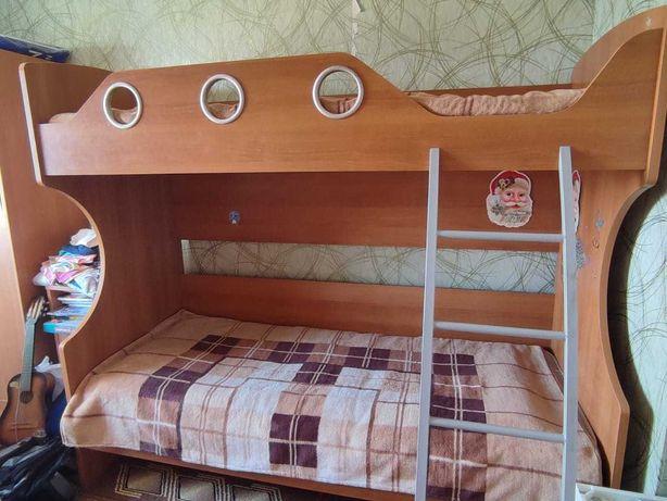продам кровать 2-ярусную