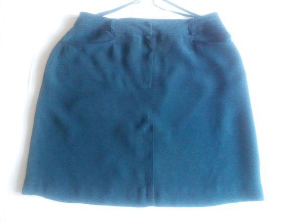 Пола, къса, тъмно синя естествена коприна