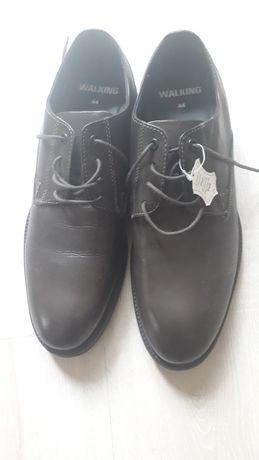 Нови мъжки обувки