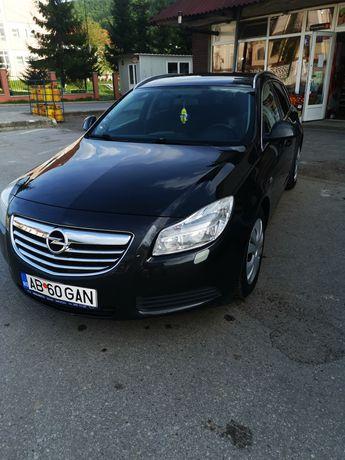 Opel Insignia Sports Tourer sau schimb cu 4x4