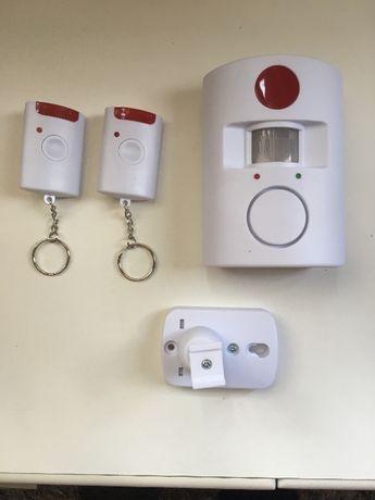 Мобилна мощна аларма 110 dB с датчик за движение и 2 дистанционни