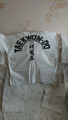 Продам костюм для занятий таэквондо