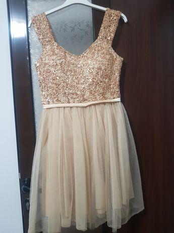 Vând rochiță elegantă