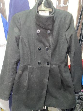 Женское пальто черное «Zara»