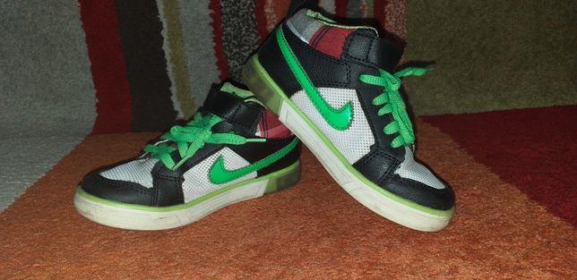 Ghete Nike,nr.29 și 16,5cm.