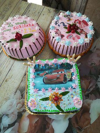 Torturi și prăjituri