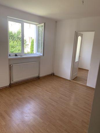 De vanzare * Apartament cu 3 camere *