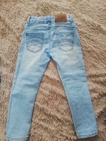 Продам стильные джинсы Zara