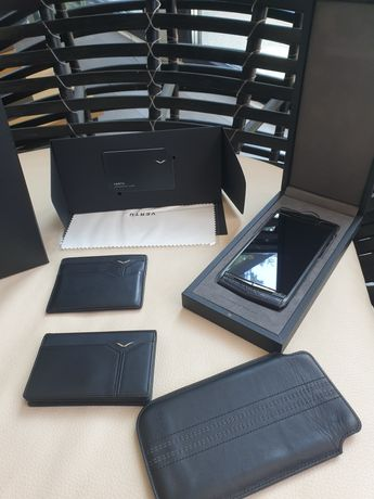 """Vertu Signature Touch 5.2"""" Pure Jet Lizard Extremely RARE"""