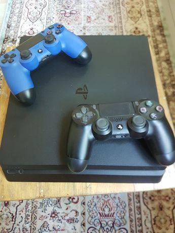 Продам !PS 4  в идеальном состоянии
