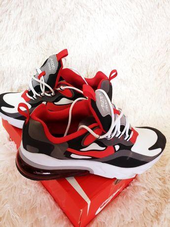 Adidasi Nike marimea 39