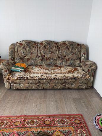 Продам мягкий уголок, диван и два кресла