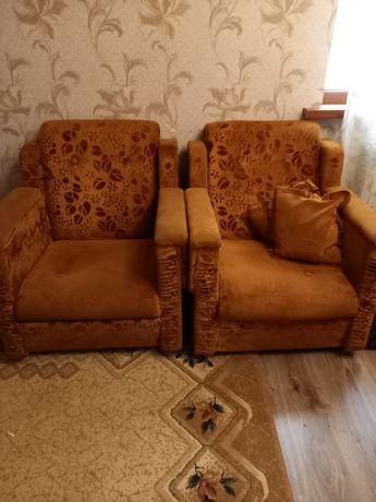 2 кресла удобные