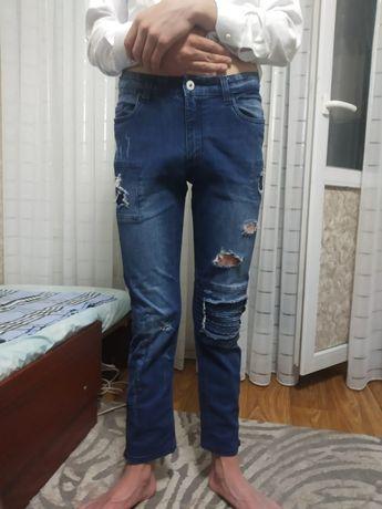 Продам джинсы подростковые