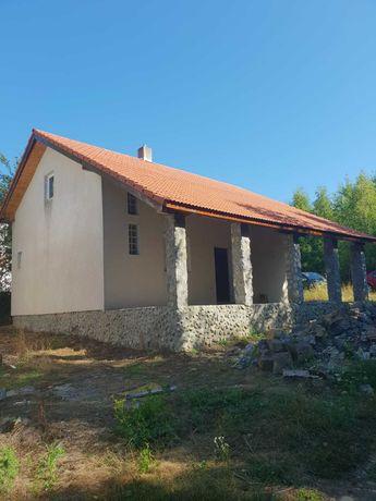 Vind casa in satul de vacanta Groseni