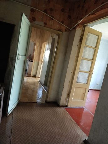 Продаётся квартира без ремонта