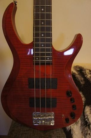 Chitara bass activ/pasiv Marcus Miller M3 STR