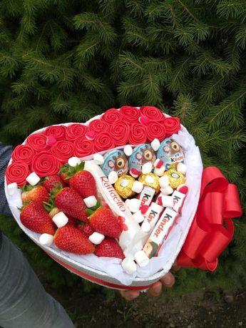 Подарок с клубникой для любимой. Доставка подарков в карантин.