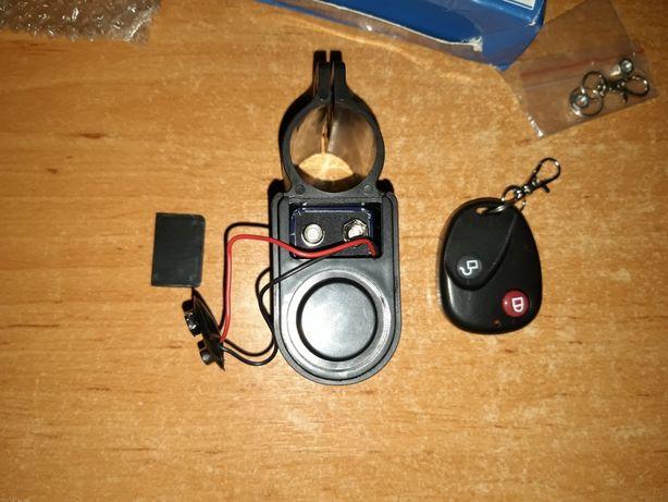 Vand alarma cu telecomanda pentru bicicleta