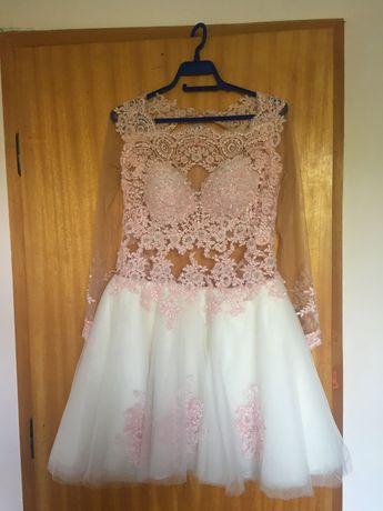 Бална/сватбена къса, без гръб, с ръкави и дантела розово-бяла рокля