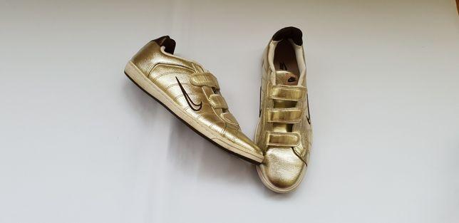 Nike nr 40