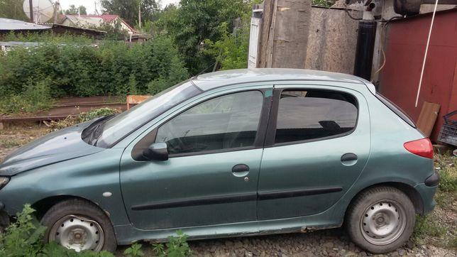 Продаю Peugeot 206