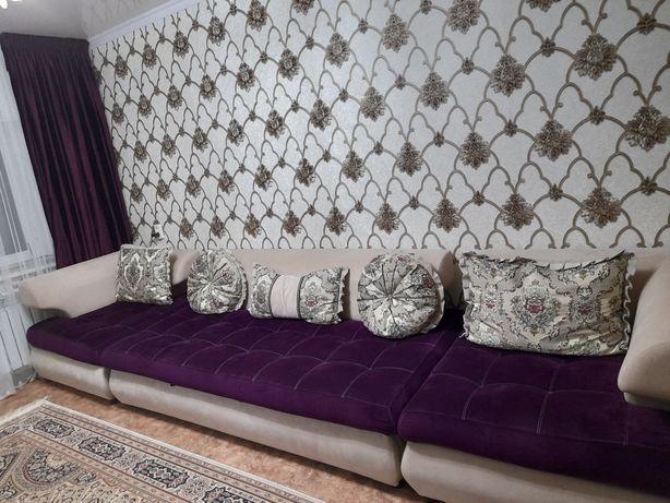 Продаю диван с 2мя креслами + портье