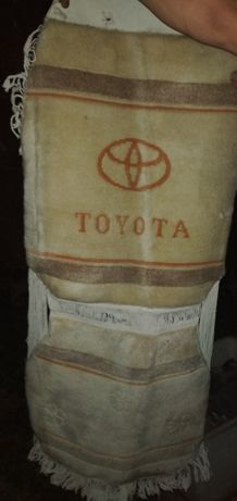 Продам чехлы для машины Toyota