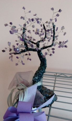 Лилаво дърво - полускъпоценни камъни