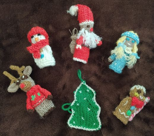 Плетени играчки за пръстчета - коледни