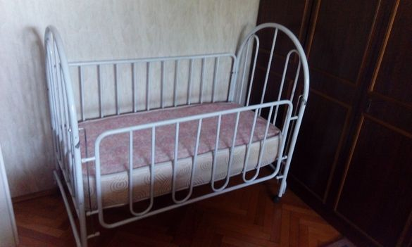 Бебешко легло с матрак