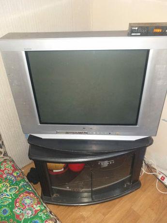 Телевизор в хорошом состояние