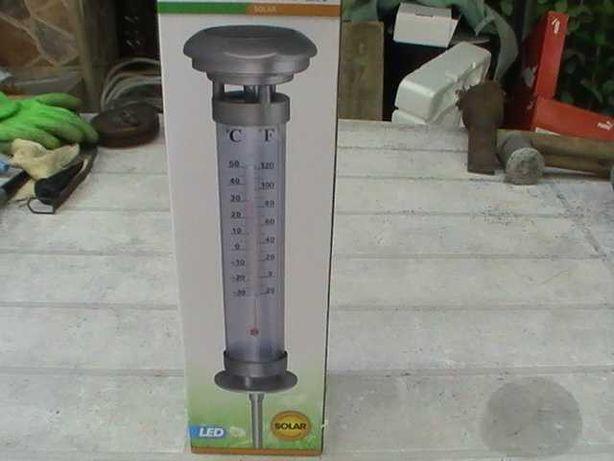 Lampa solara cu termometru