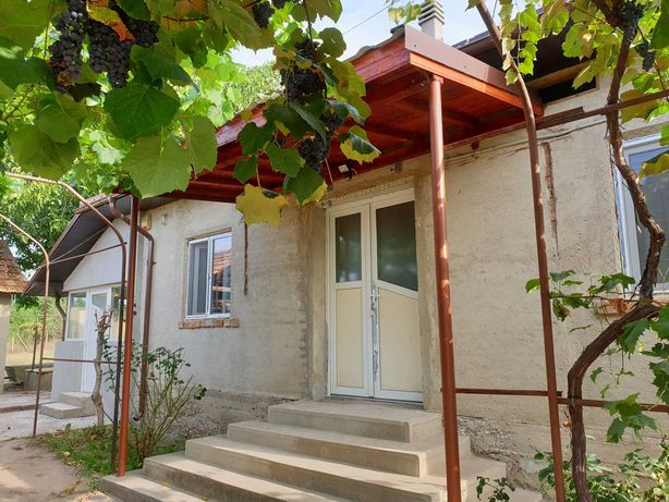 Casa deosebita de locuit/ vacanta, Traian, Vanju Mare, Mehedinti