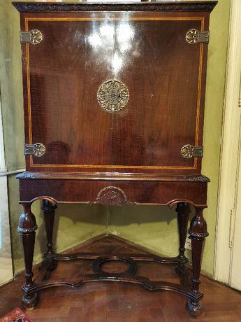 Vand mobilier vechi - bar Lengyel