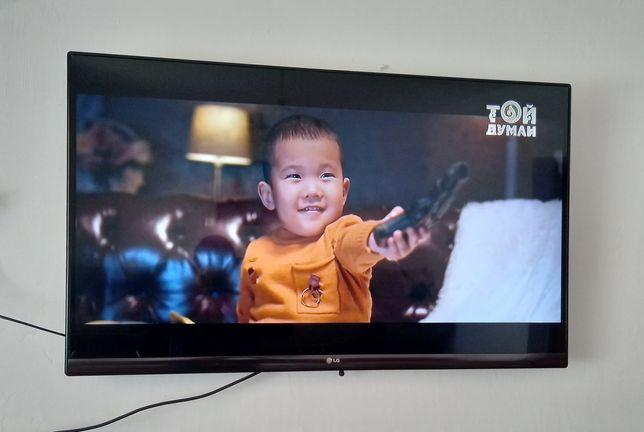 Телевизор LG SMART TV. 3D. Өте жақсы жағдайда істеп тұр.
