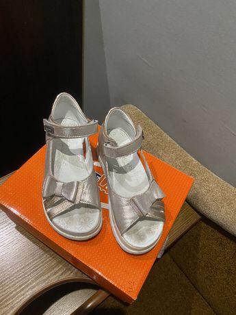 Летние сандали детские
