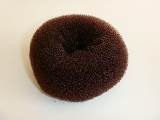 Подложка за кок за кестенява коса