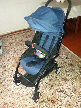 Лёгкая, манёвренная прогулочная коляска baby time. Брали для поездки